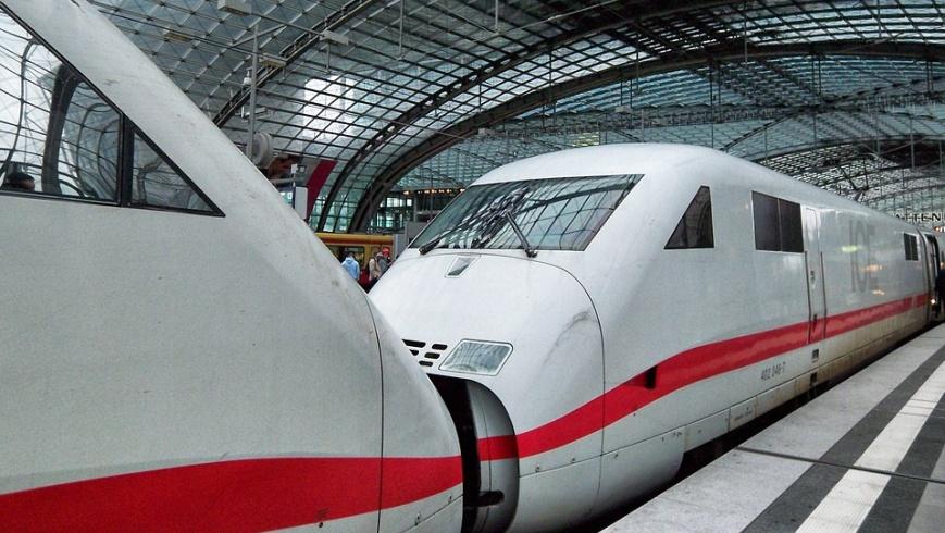 ICE im Berliner Hauptbahnhof - Foto: pixabay