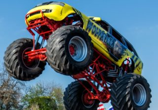 "Monster-Truck ""Wolverine"""
